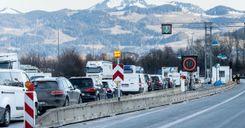 ألمانيا تغلق معابرها الحدودية للحد من تفشي السلالات الجديدة وسط انتقادات أوروبية image