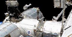 رواد فضاء ناسا يقومون بالسير في الفضاء للمرة الثانية خلال أقل من أسبوع image