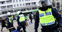 مظاهرات غير مرخصة ضد قيود كورونا في 3 مدن سويدية image