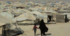 محاكمة امرأة انتقلت مع طفلها من السويد إلى داعش في سوريا image