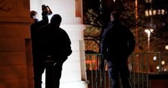 سقوط امرأة من شرفة بمدينة هلسينبوري واعتقال رجل image