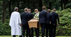 حادثة غريبة في السويد .. رجل يسرق جثة والدته ويستبدل تابوتها بآخر image