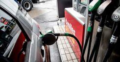 رفع سعر البنزين للضعف لتحقيق الأهداف المناخية في ستوكهولم image