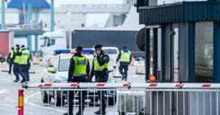 الجمارك السويدية في تحد مستمر لاكتشاف مخابئ المخدرات وطرق التهريب الجديدة image