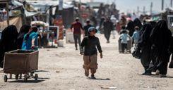 """فرنسا تعيد سبعة أطفال """"في وضع صحي صعب"""" من أبناء الجهاديين في سوريا image"""
