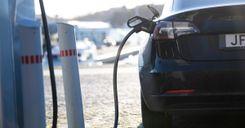 النروج أول بلد تستحوذ فيه السيارات الكهربائية على أكثرية المبيعات image