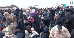 """عودة امرأتين من """"نساء داعش"""" للسويد بعد طردهما من سورية image"""