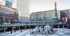 السويد تنعم بليلة ميلاد هادئة...والشرطة تبحث عن بابا نويل  image