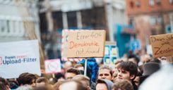 المفوضية الأوروبية تضع استراتيجتها لمواجهة البطالة بين الشباب image