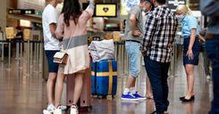 مزيد من الدول ترفض دخول المسافرين السويديين لخطورة الوضع في السويد image