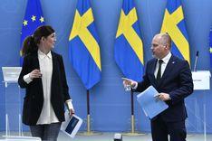 الحكومة السويدية: الإعالة واللغة شروط للحصول على الإقامة الدائمة image