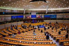 """البرلمان الأوروبي يتبنى قرارا يفرض على المنصات الإلكترونية حذف المحتويات """"ذات الطابع الإرهابي""""   image"""