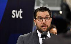 أوكيسون ينتقد اقتراحات الحكومة: ستزيد الهجرة إلى السويد image
