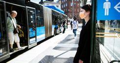 شركة النقل المحلية في ستوكهولم لن تفرض ارتداء الكمامات image