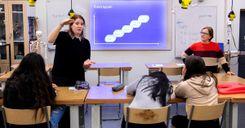 تأخير أوقات دوام المدارس الثانوية حتى التاسعة صباحًا في يوتيبوري image